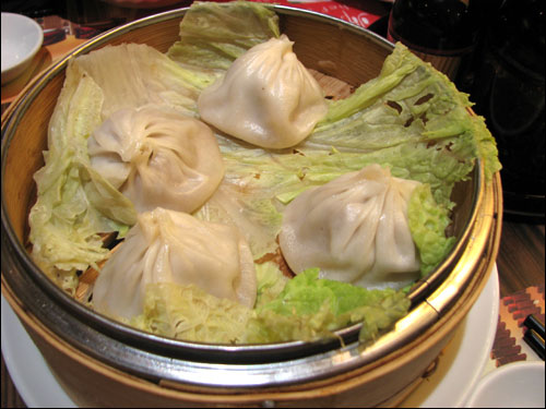 Steaming Dumplings Without A Steamer ~ Dragon i restaurant queensbay malaysia food travel