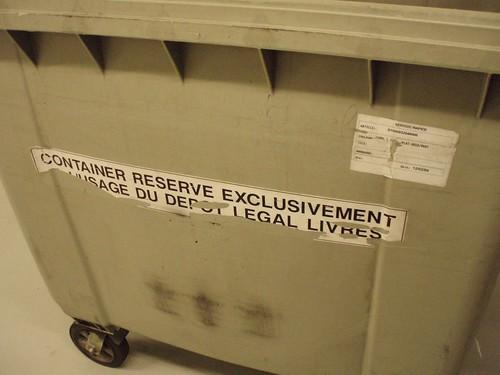 Les documents arrivent tous les jours par containers entiers