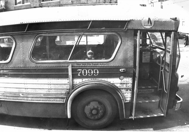 NYC MTA Bus Peering Child 1977 70s - 50 Cent Fare