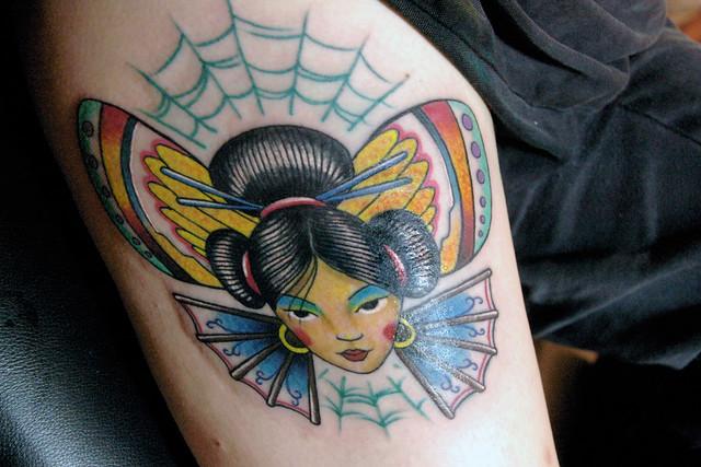 tattoo artist de gueixa