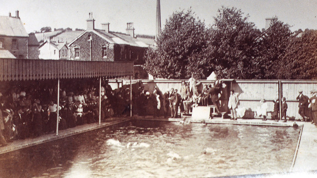 Queen victoria 39 s silver jubilee celebrations at - Queen mary swimming pool victoria ...