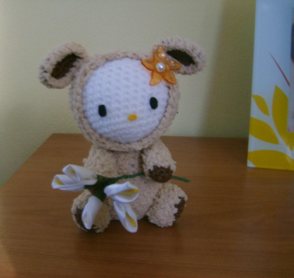 Hello Kitty Crochet: Supercute Amigurumi Patterns for Sanrio ... | 970x1024