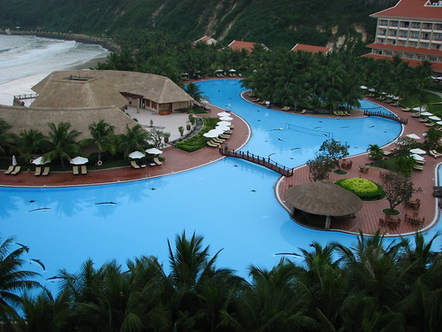 Best swimming pool in South East Asia - Vinpearl