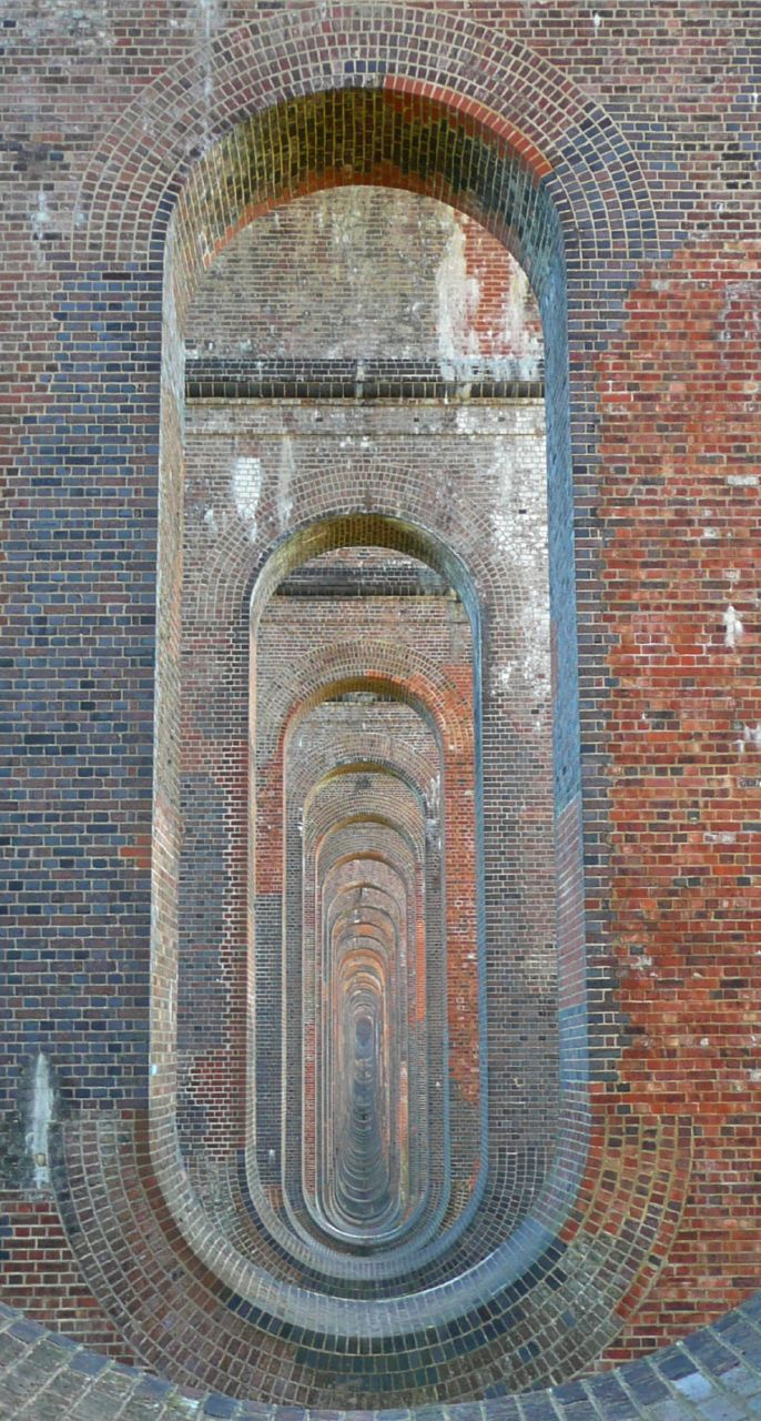 Book 3, Walk 22, Balcombe Circular (winter) Ouse Valley viaduct (internal), beautifully proportioned, with curves in all the right places, 6 Jan '08.
