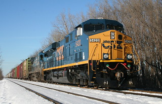 CSX 5420 ES44DC on Canadian Pacific tracks north of Franklin Park, IL