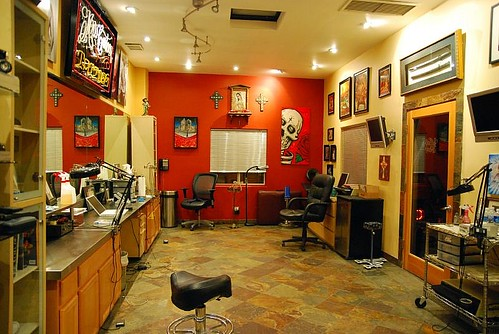 Mister cartoon s tattoo shop los angeles for Tattoo shops los angeles