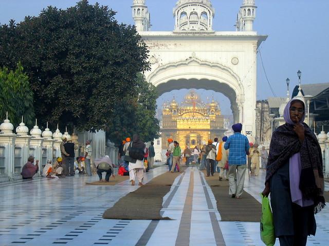 Harmandir Sahib, Templo Dorado de Amritsar, India.