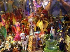 festival(0.0), carnival(0.0), christmas decoration(0.0), city(0.0), nativity scene(0.0), market(1.0), bazaar(1.0), public space(1.0),