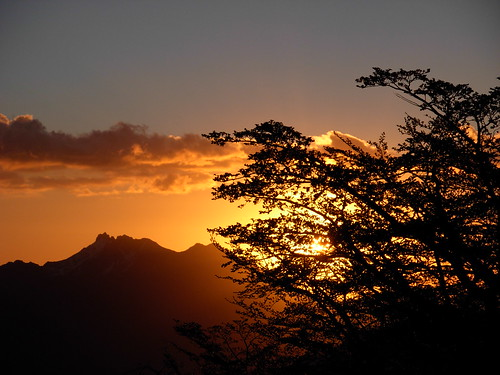 chile sunset mountain clouds sunrise trekking landscape atardecer backpacking andes montaña cordillera 2007 gargantadeldiablo chilecentral cordilleradelosandes regióndelbiobío ñuble cerrolasbravas