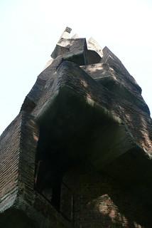 """André Bloc - sculpture-habitacle """"La Tour"""", 1966 - Meudon - France"""
