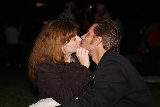 gross make-out couple | Flickr - Photo Sharing!: http://www.flickr.com/photos/jessicalea/1898916996/