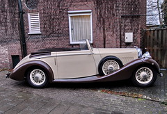 mercedes-benz 500k(0.0), touring car(0.0), automobile(1.0), rolls-royce phantom iii(1.0), vehicle(1.0), automotive design(1.0), antique car(1.0), classic car(1.0), vintage car(1.0), land vehicle(1.0), luxury vehicle(1.0), convertible(1.0), sports car(1.0),