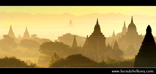 Myanmar - Temples of Bagan in Morning mist