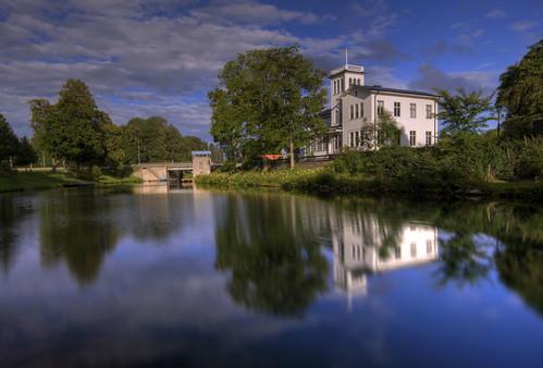 house reflection river sweden sverige hdr motala östergötland motalaström sigma1020mmf456exdchsm johanklovsjö