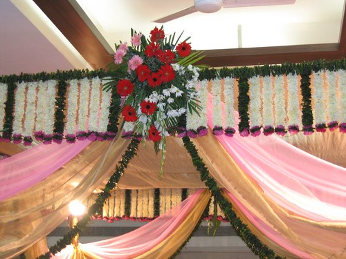 Wedding hall decorations photos theme wedding for Hall decoration images