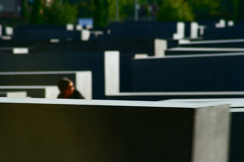 If G. Richter Painted the Jewish Memorial