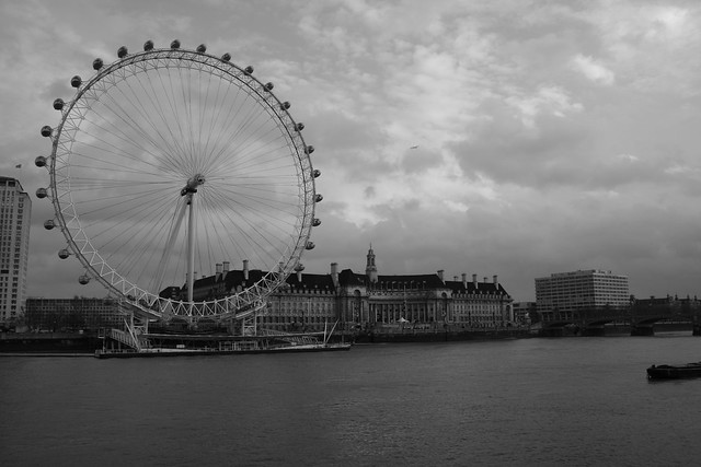 london eye black and - photo #45