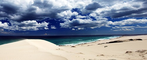 ocean blue sea panorama white storm praia beach public clouds strand landscape southafrica geotagged sand nuvole mare blu indian dune © indianocean playa panoramic adobe afrika nuages 2008 plage zuiko spiaggia paesaggio rsa allrightsreserved indiano oceano sabbia afrique temporale westerncape sudafrica áfrica oceanoindiano zd firstquality plaia tancredi ©allrightsreserved p1f1 january2008 e410 platinumheartaward 06january2008 jaunary2008 geo:lat=34478048 geo:lon=20508878 georeferenziata