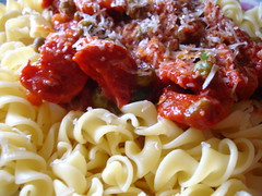vegetable(0.0), vegetarian food(0.0), bucatini(0.0), spaghetti(0.0), bolognese sauce(0.0), fettuccine(0.0), produce(0.0), carbonara(0.0), fusilli(1.0), tomato sauce(1.0), pasta(1.0), food(1.0), dish(1.0), cuisine(1.0),