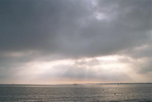 La mer et les rayons du soleil III