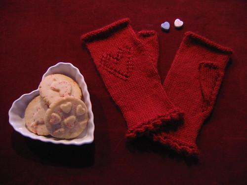 Sweetheart Glovelets
