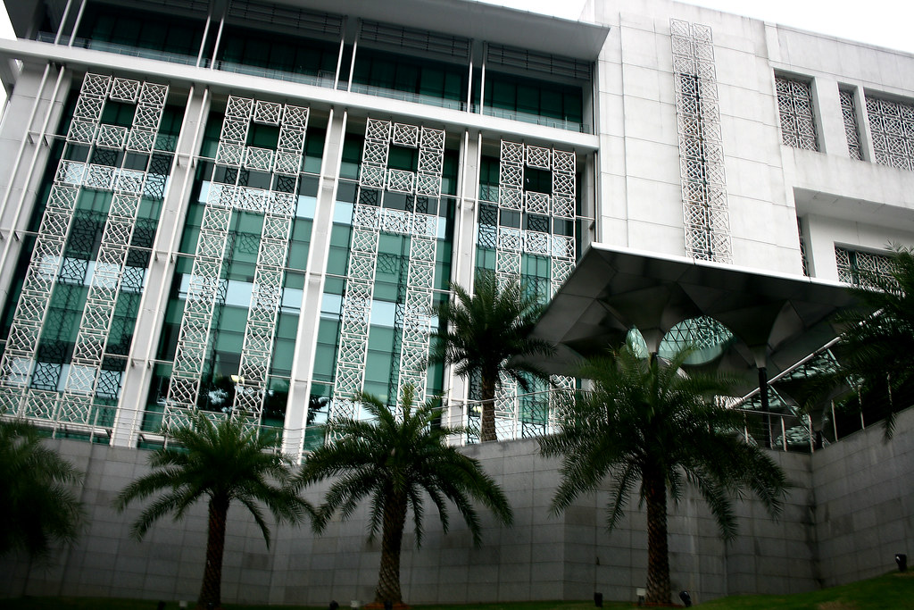 Kuala Lumpur Islamic Arts Museum courtesy of phalinn on Flikr.