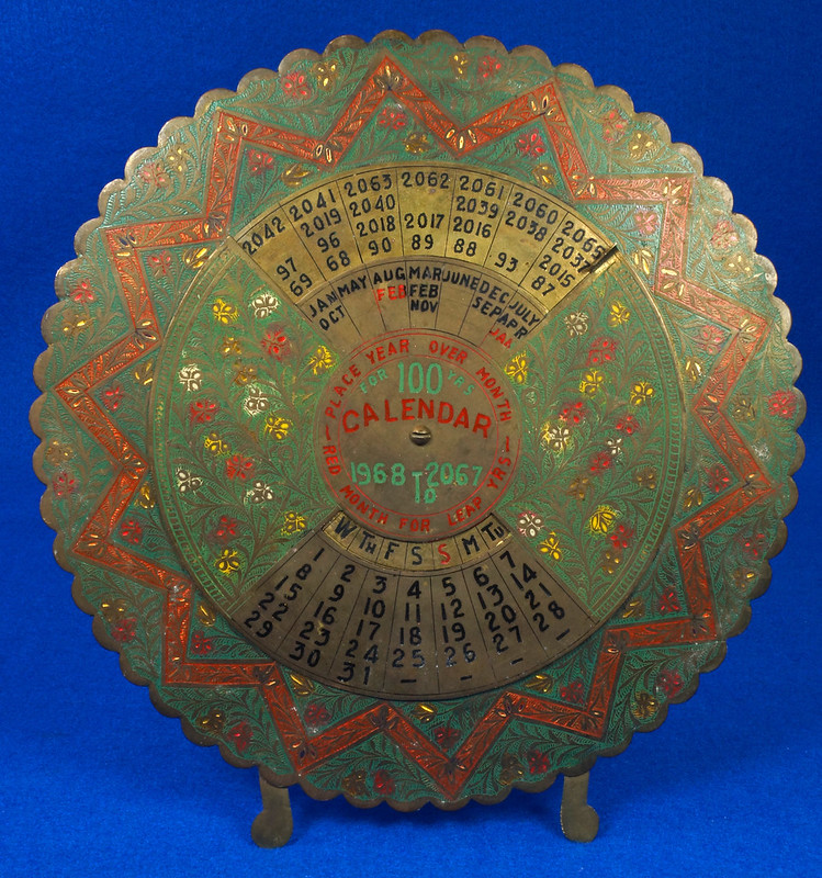 RD15284 Vintage Enameled Brass Perpetual Desk Calendar 100 Years 1968 - 2067 Circular with Stand DSC09019
