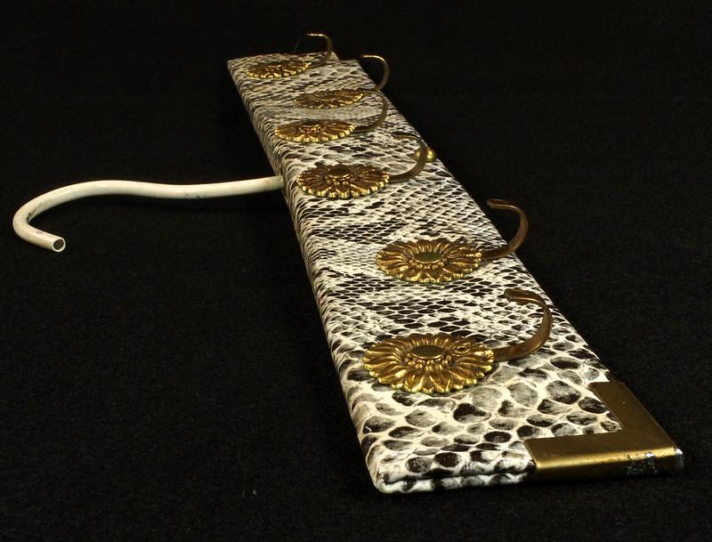 RD15280 Vintage Mid Century Snakeskin & Brass Jewelry Necklace Hanger DSC08967