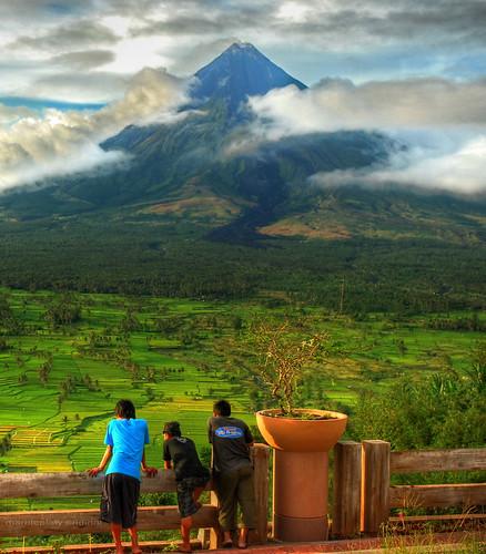 sky mountain clouds volcano view cone philippines hero winner mayon drama bicol legazpi viewdeck marbleplaty thechallengefactory lingñon herowinner ultraherowinner