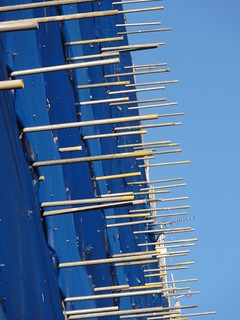 scaffold pole ends, webbing, sky, vaine house e9, 2014-03-09, 17-12-24