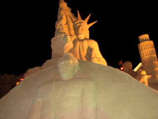 The Statue of Liberty and The Leaning Tower of Pisa - Sand Sculptures - FIESA 2007 - Wonders of the World (Maravilhas Do Mundo) - The International Sand Sculpture Festival (Festival Internacional de Escultura em Areia)  - Pera, The Algarve, Portugal