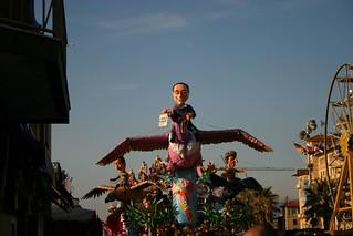 Carriage with Berlusconi figure at the Carnival of Viareggio