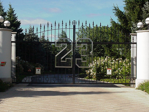 Michael Jordan's front gate - a photo on Flickriver  Michael Jordan&...