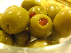 vegetable(0.0), plant(0.0), produce(0.0), yellow(1.0), olive(1.0), fruit(1.0), food(1.0), dish(1.0), cuisine(1.0),