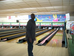 team sport(0.0), individual sports(1.0), sports(1.0), leisure(1.0), ball game(1.0), ten-pin bowling(1.0), bowling(1.0),
