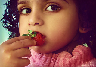 Sweetie! u taste just like strawberry ♥ ~