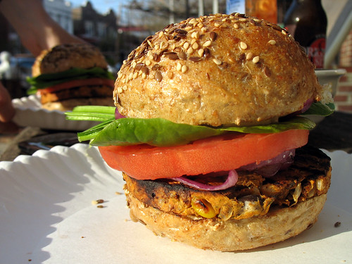 gardenburger_blackbeanchipotle_photo_03