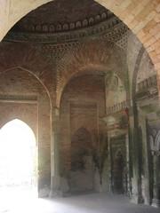 arch, ancient history, building, architecture, ruins, caravanserai, vault, arcade, crypt, column,