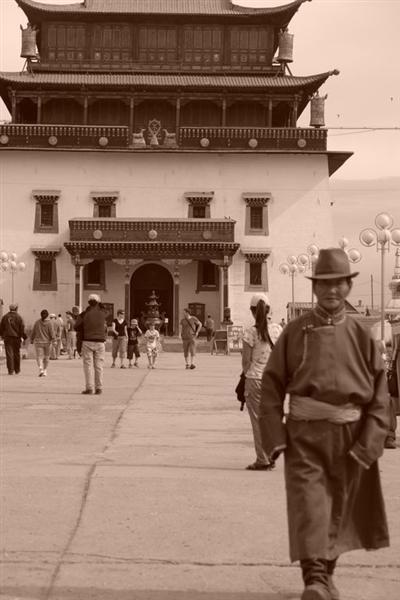 """En algunos países como Mongolia la vestimenta es demasiado carga y pesada para lo que estamos acostumbrados, pero ... Precauciones y tips en viajes a países y zonas """"culturalmente diferentes"""" - 2505426365 99b6df6e50 o - Precauciones y tips en viajes a países y zonas """"culturalmente diferentes"""""""