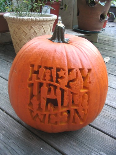 """""""Happy Halloween"""" Pumpkin"""