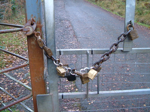 Chain of Padlocks