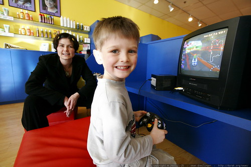 where did he learn to use these video game controllers?    MG 6675