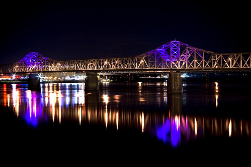 reflection night downtown ky indiana louisville ohioriver purplelights secondstreetbridge