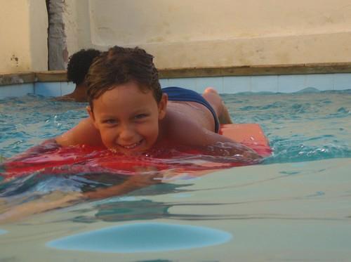 water pool smile swimming piscina surfboard danny ceara iguape views400