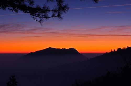 california park ca blue sunset red usa mist mountain nature colors fog pine america nationalpark twilight colorful contrail streak dusk hill silhoutte sequoianationalpark condensationtrail mywinners