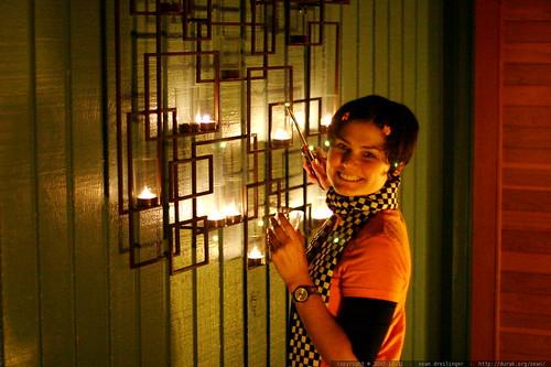 rachel lighting her chandelier    MG 5574