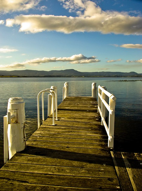 The long t shaped jetty on lake illawarra off reddal parad for L shaped lake
