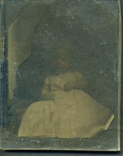 AMBROTYPE  BABY HIDDEN MOTHER