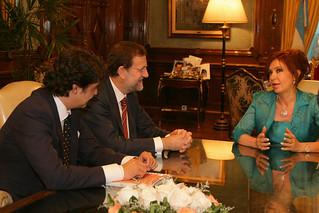 Rajoy con Crisitna Kirchner en 2007