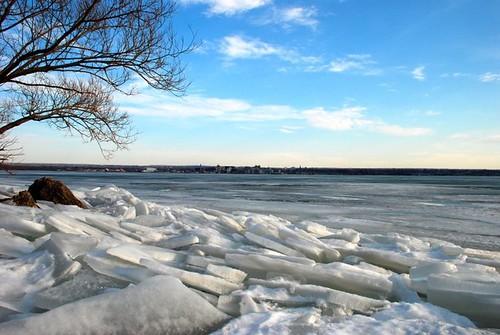 winter lake snow cold ice broken skyline bay lakeerie pennsylvania pa shore erie penninsula cracked greatlake eriepa eriepennsylvania scenicwater